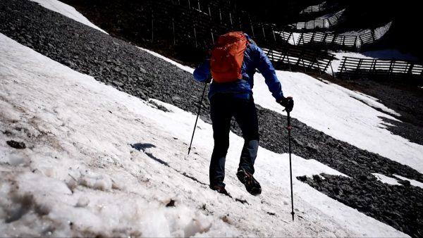Gefährliche Altschneefelder in Tirols Bergen