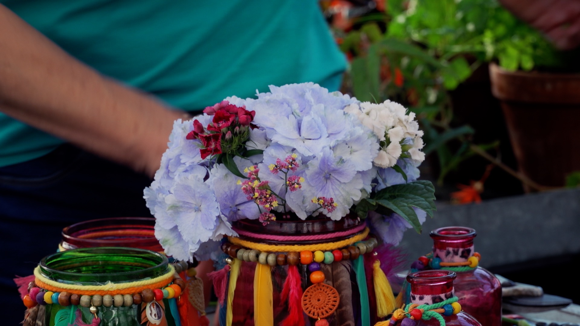 Tirol blüht auf: Tisch-Blumengestecke